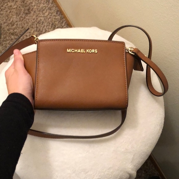 8b43f292b26af4 Selma Mini Saffiano Leather Crossbody. M_5bf85f1f04e33d038da7ce7c. Other  Bags you may like. Michael Kors ...